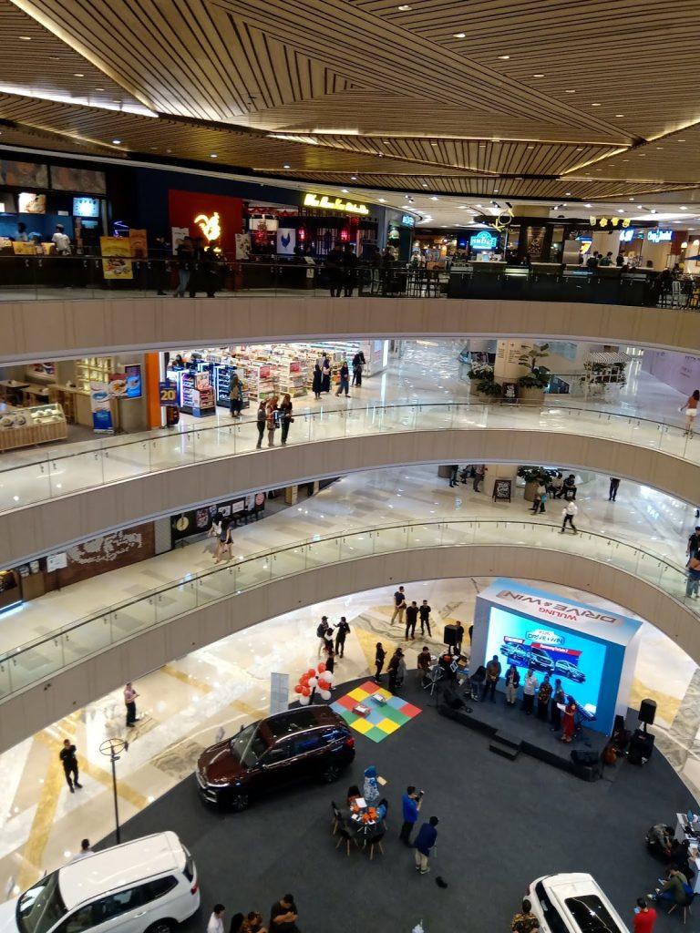 Atrium Tunjungan Plaza 6