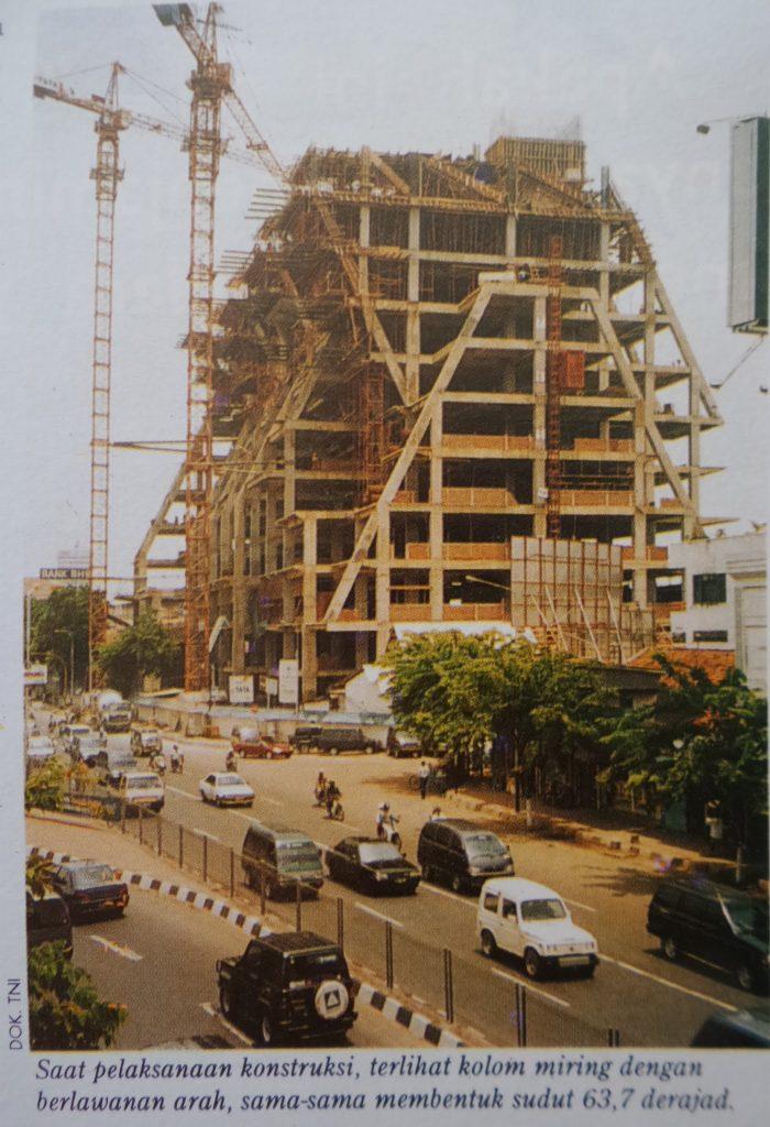 Intiland Tower Surabaya saat sedang dibangun
