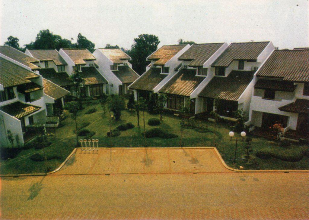 Rumah bandar Pondok Klub Villa Jakarta, 1991