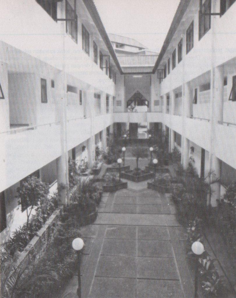 Kos-kosan/Rumah teras Pondok Klub Villa Jakarta, 1991